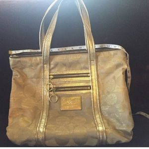 Brand new Coach Poppy Tote. Large